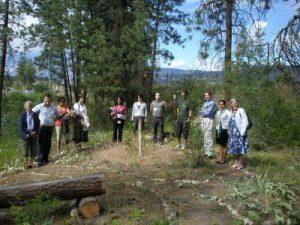 Students' Presentation in the Learning Garden at UBC Okanagan (Dr. Vicki Green, Jason Parkinson, Natasha Goudar, Dr. Sabre Cherkowski, Kamilla Bahbahani, Dr. Veronica Gaylie, Michael Marchand, Mike Berheni, Tom Lucey, Davinder Bal, Cathy Fagan)