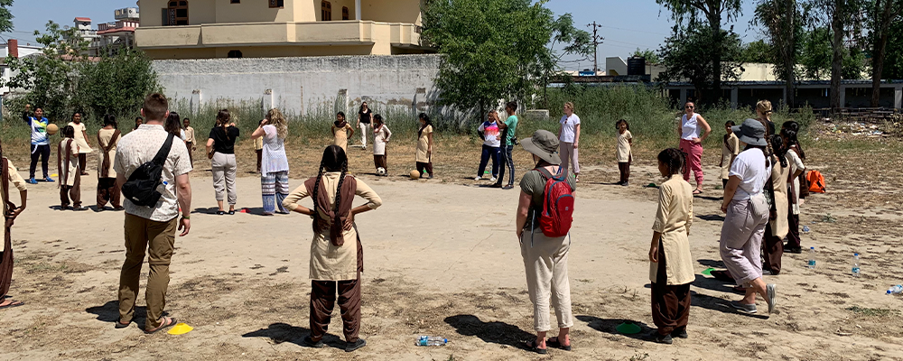Teacher Candidates on their international Community Field Experience in India